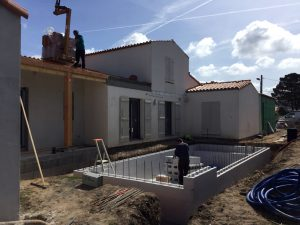 Picture construction site monitoring of house and pool